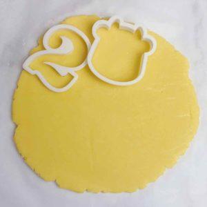 icing cookie step11